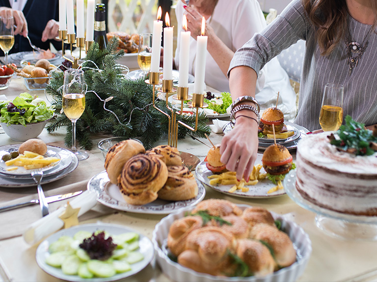 Trendy Thanksgiving table with food